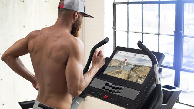 nordictrack-ifit-treadmill-photo-man-running.jpg