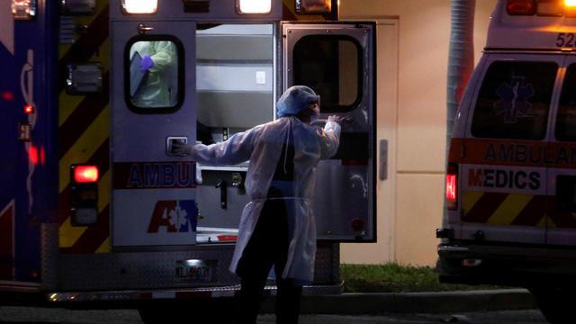 ambulance-2020-04-03t004059z-1522178698-rc2owf9vc47z-rtrmadp-3-health-coronavirus-usa.jpg