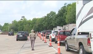 Texas sets up border checkpoints over virus