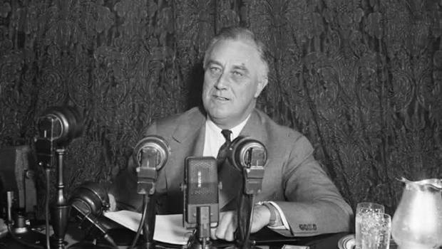 fdr-fireside-chat-radio-620.jpg