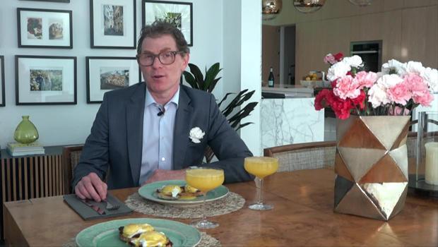 bobby-flay-eggs-benedict-mimosa-carnations-620.jpg