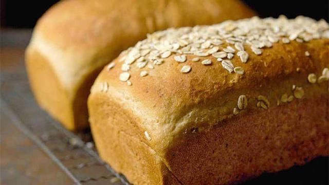 vermont-whole-wheat-oatmeal-honey-bread-king-arthur-flour-promo.jpg