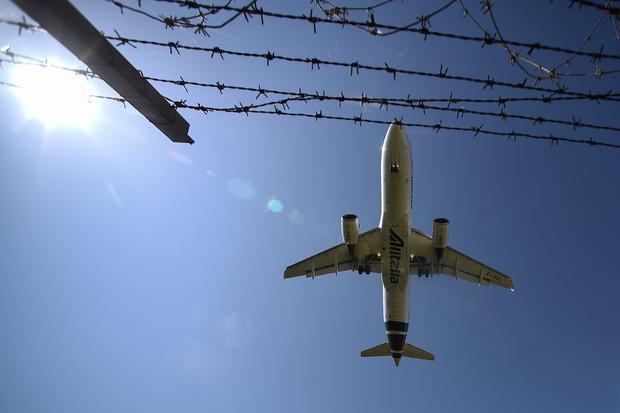 ITALY-HEALTH-VIRUS-AIRPORT