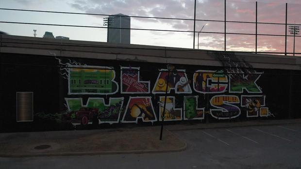 blackwallstreetsign0.jpg
