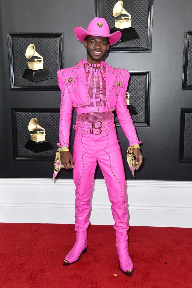 Lil Nas X: Hot pink stud