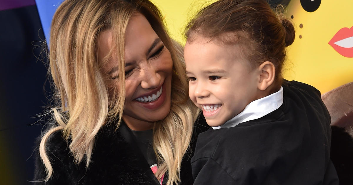 """""""Glee"""" star Naya Rivera yelled for help before drowning her son told investigators – CBS News"""