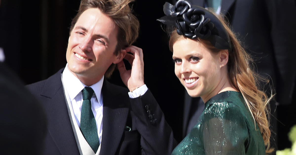 Princess Beatrice marries Edoardo Mapelli Mozzi in private ceremony at Windsor – CBS News
