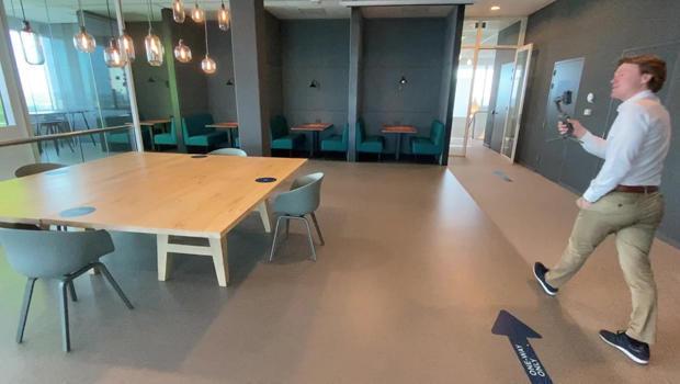 tour-of-6-feet-office-620.jpg