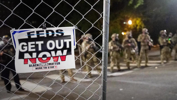 portland-feds-get-out-now-sign-620.jpg
