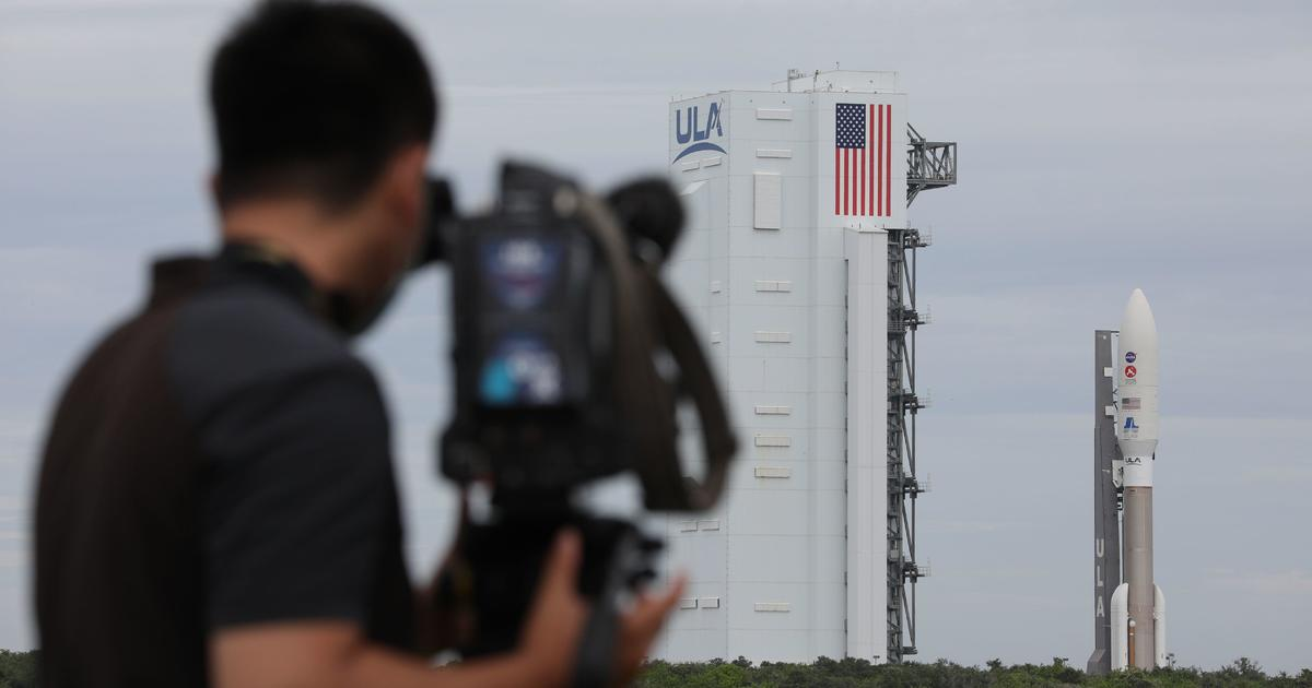 NASA Mars rover, atop Atlas 5 rocket, set for launch on historic mission