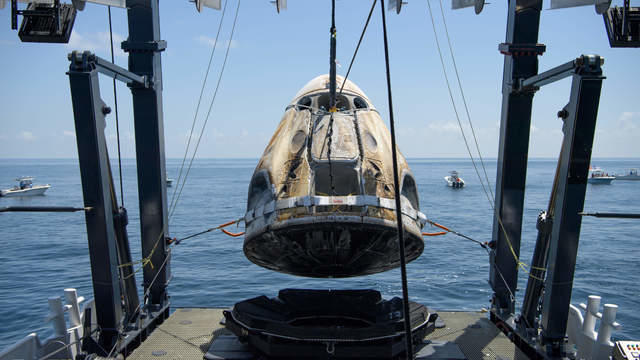 cbsn-fusion-spacex-capsule-splashdown-marks-successful-end-to-first-us-commercial-orbital-space-mission-thumbnail-524404-640x360.jpg