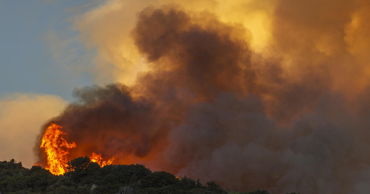 Apple Fire in California spreads to over 20000 acres – CBS News