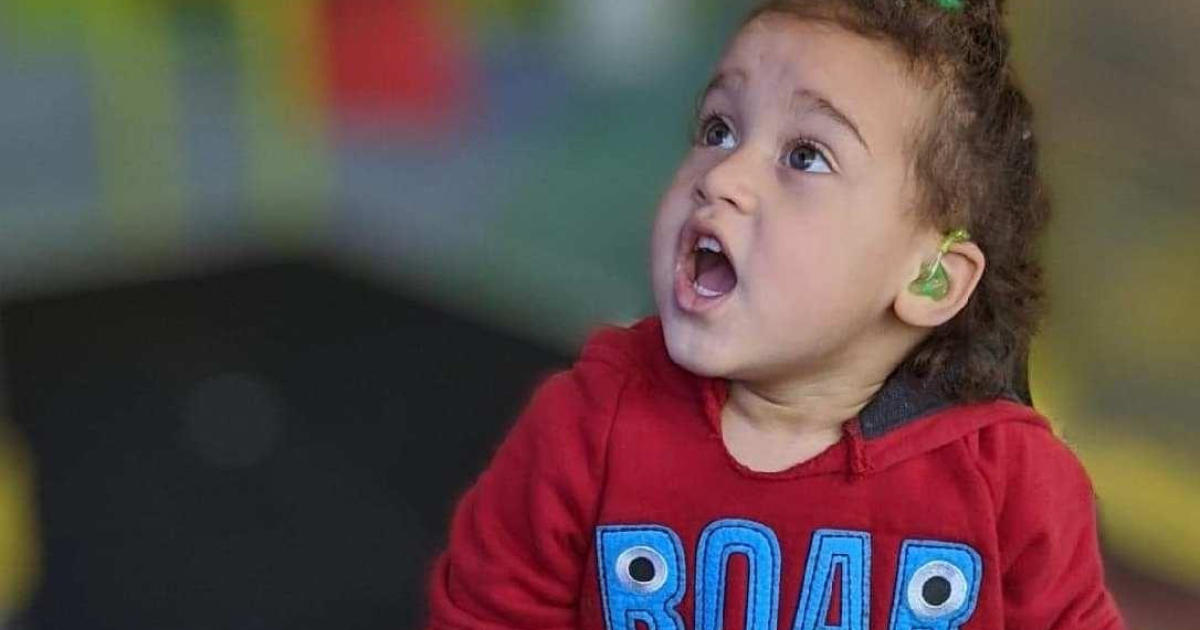 Kansas 2-Year-Old Hears for the First Time Thanks to Cochlear Implants