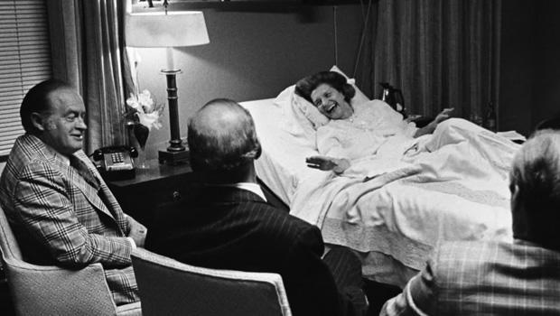 bob-hope-visits-betty-ford-in-hospital-620.jpg
