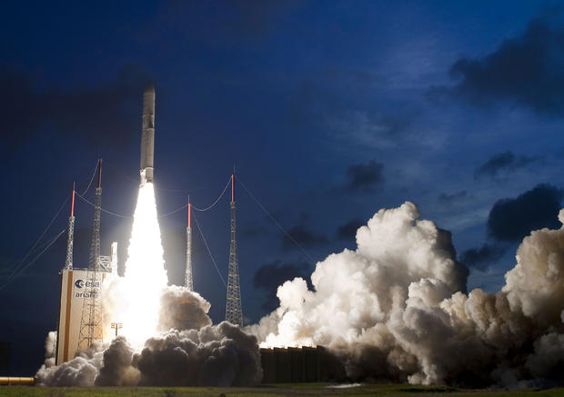 FRANCE-SPACE-ARIANE-SATELLITE-TELECOMMUNICATIONS