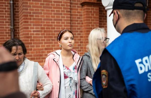 belarus-protest-police-1228224227.jpg