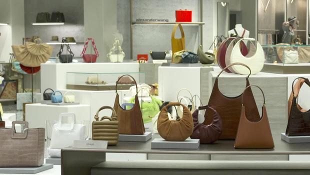 saks-handbags-620.jpg