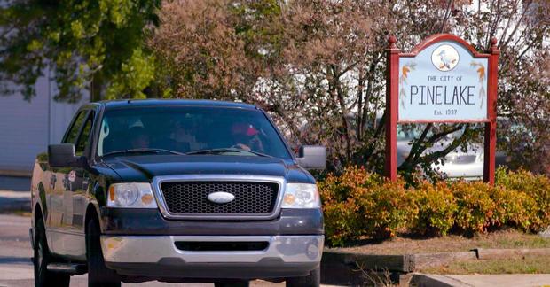 pinelake-sign-pickup.jpg