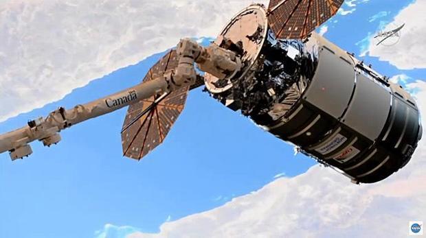 100520-cygnus-capture.jpg