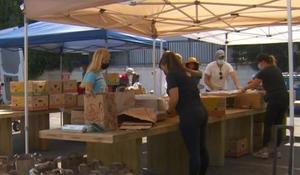 Drive-thru food drive feeds hundreds in L.A.
