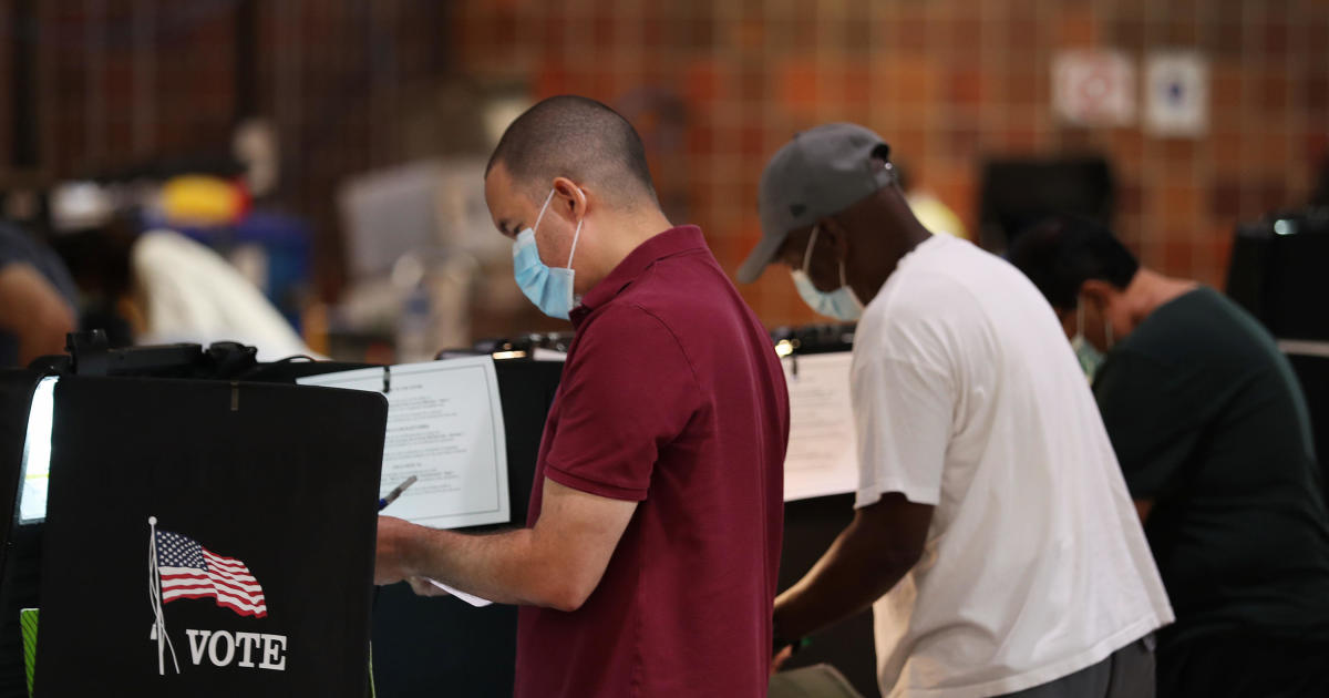 Emails threatening Fla. voters linked to overseas servers