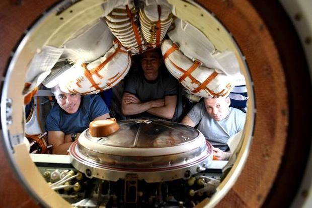 102120-module-crew.jpg