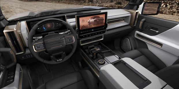 2022-gmc-hummer-interior.jpg