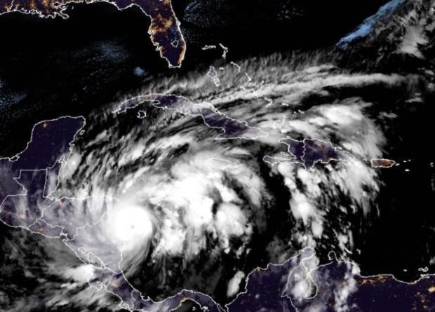 hurricane-eta-4a-110320.jpg