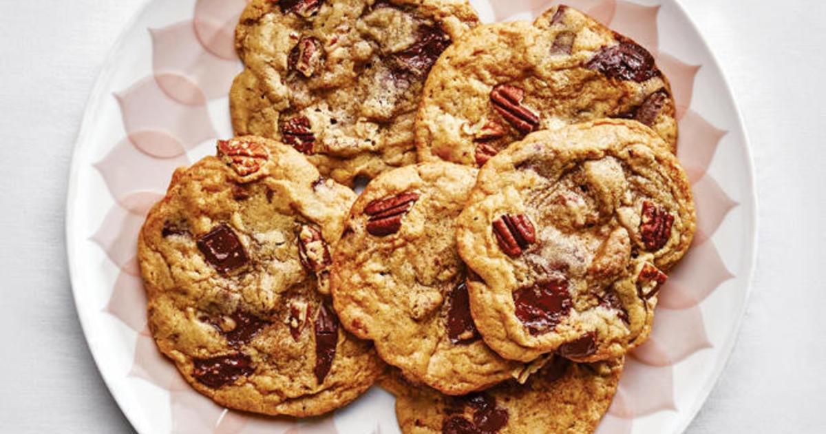 Recipe: Pecan Pumpkin Spice Chocolate Chip Cookies