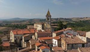 cbsn-fusion-italian-town-offers-free-vacations-thumbnail-592951-640x360.jpg