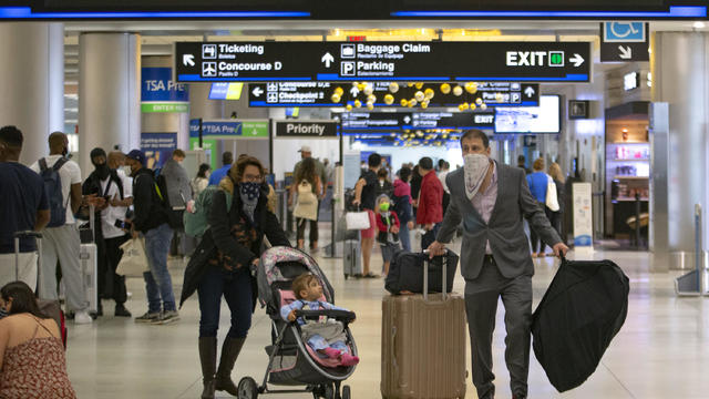 More than 1 million people traveled on planes in US on a single day ahead of Thanksgiving amid coronavirus pandemic