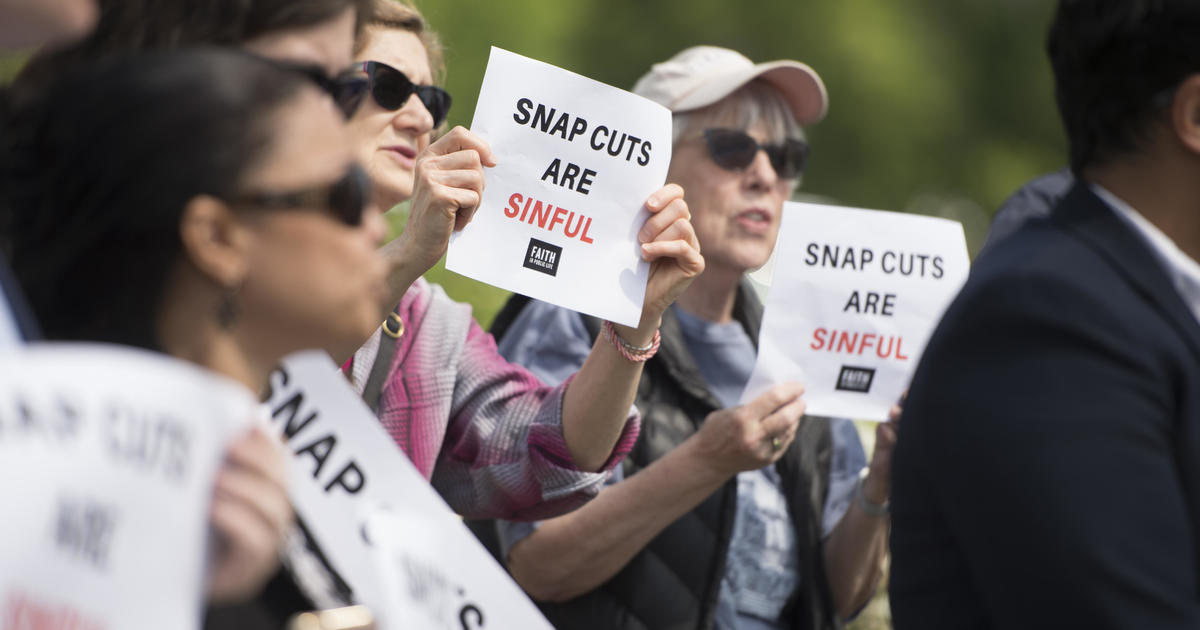 Trump administration wants to cut food stamps to thousands of seniors, lawmakers say