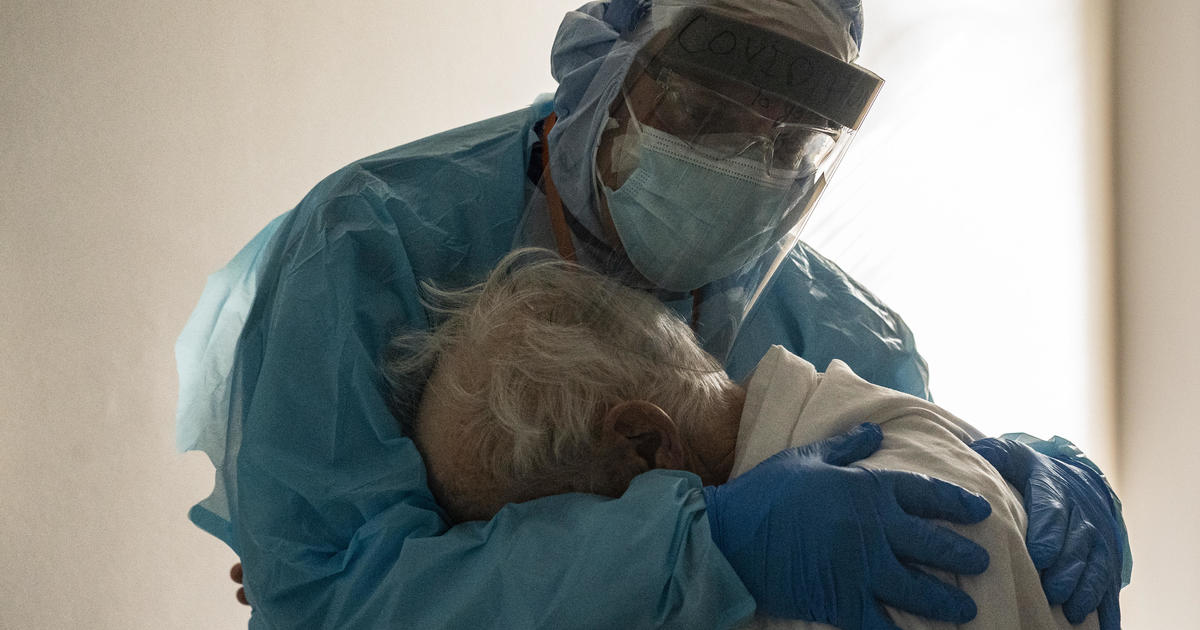 U.S. reports record 93,000 coronavirus hospitalizations - CBS News