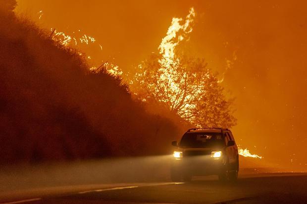 High Winds Drive Bond Fire