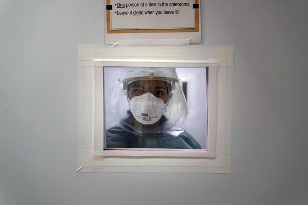 Virus Outbreak-US Surge