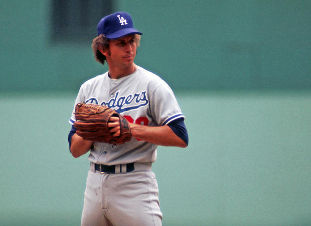 Don Sutton, Hall of Fame pitcher for Dodgers, has died at 75