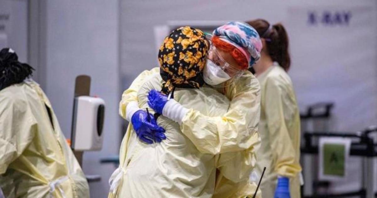 U.S. coronavirus death toll surpasses 400,000 as virus mutations spread