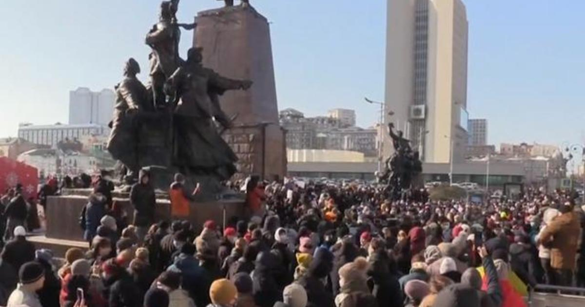 Protests erupt in Russia after arrest of opposition leader Alexey Navalny