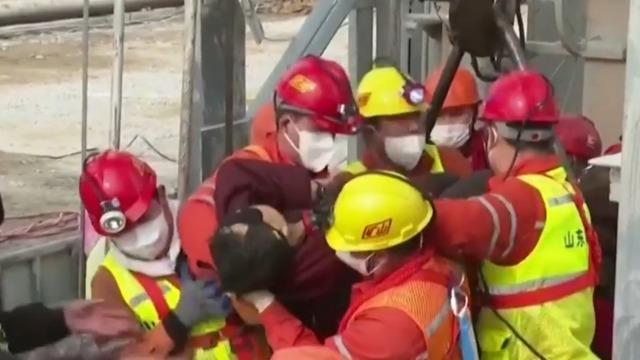 cbsn-fusion-several-chinese-miners-pulled-to-safety-thumbnail-632540-640x360.jpg