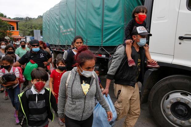 Honduran migrants are sent back by Guatemalan authorities