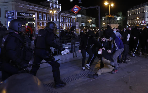 Spain sees second night of rioting after rappers arrest