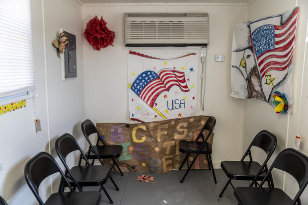 Facility opens to welcome migrant children