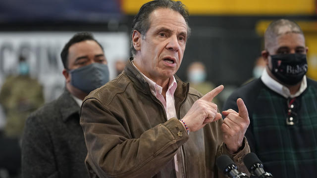 US-HEALTH-VIRUS-VACCINATION-CUOMO