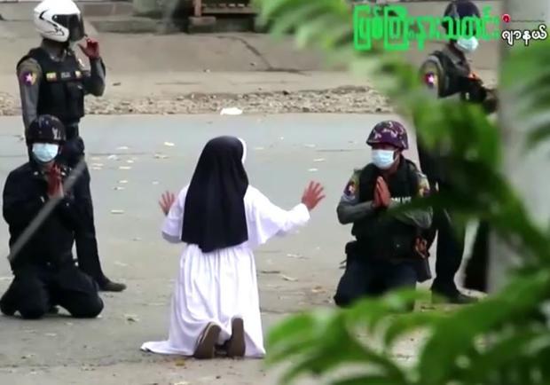 myanmar-nun-protest.jpg