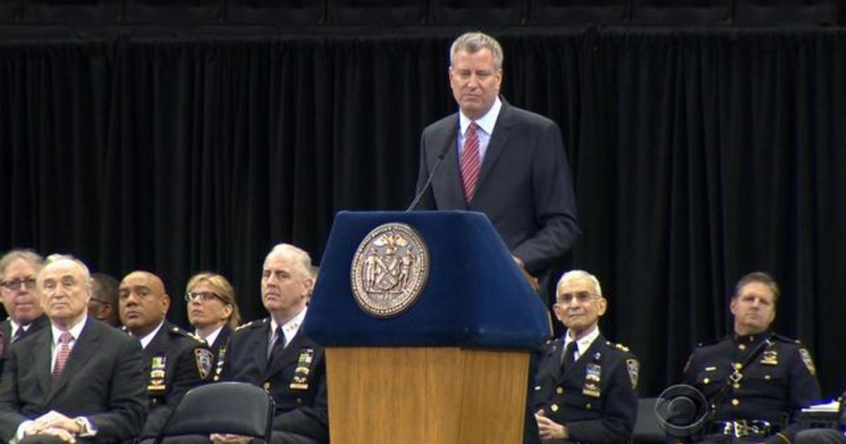Tensions remain high between NYC mayor and NYPD