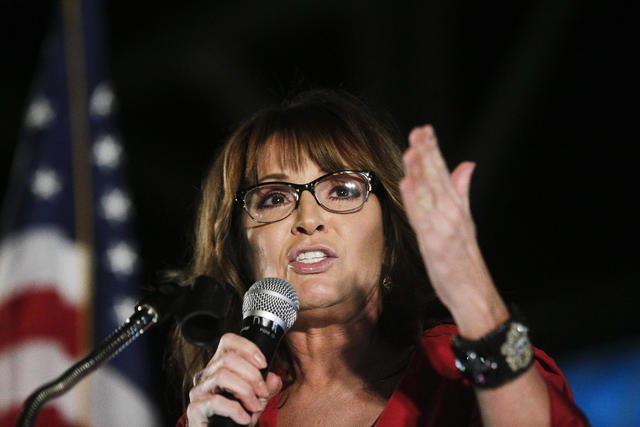 Sarah Palin tests positive for COVID-19 and urges people to wear masks in public