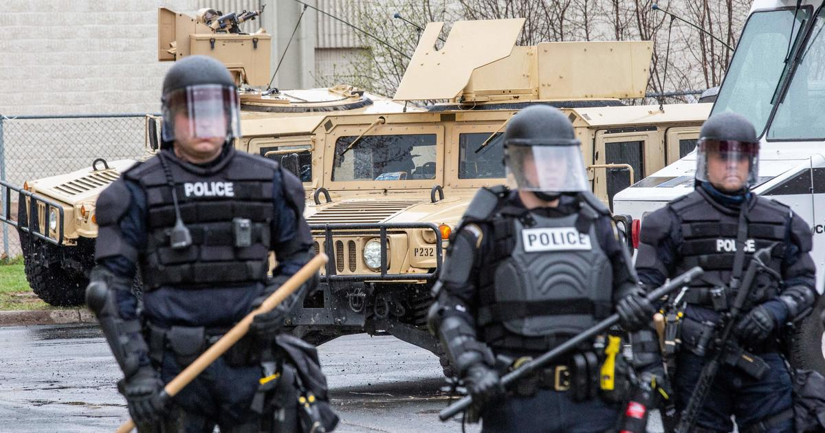 Reside Updates: Polisi seharusnya merencanakan Taser, tidak lagi bersenjata, lama untuk pengambilan gambar yang fatal, ungkap polisi thumbnail