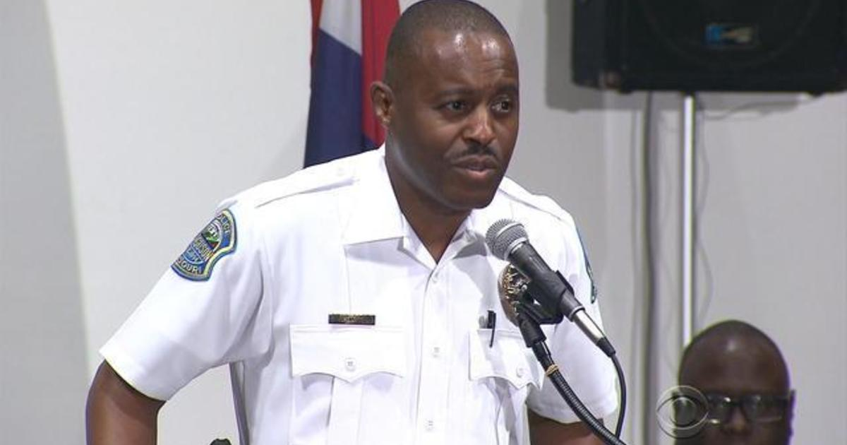 Ferguson hires first African American police chief