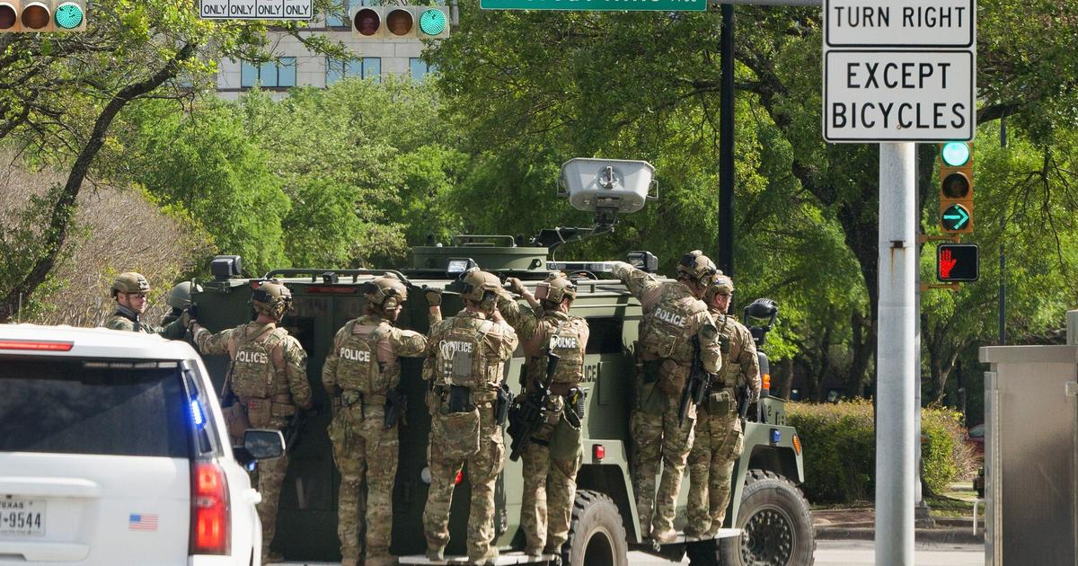 Manhunt widens in Texas for killer of three in Austin