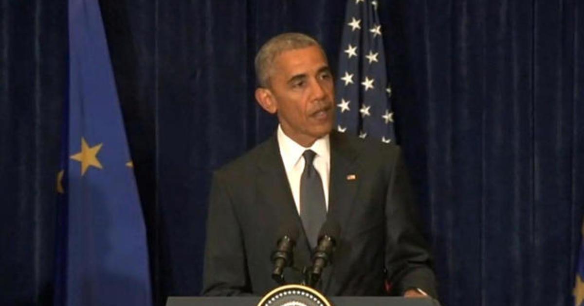 """Obama addresses """"despicable"""" attack on Dallas police"""